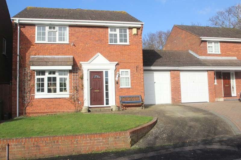 3 Bedrooms Detached House for sale in Stenbury Way, Southampton