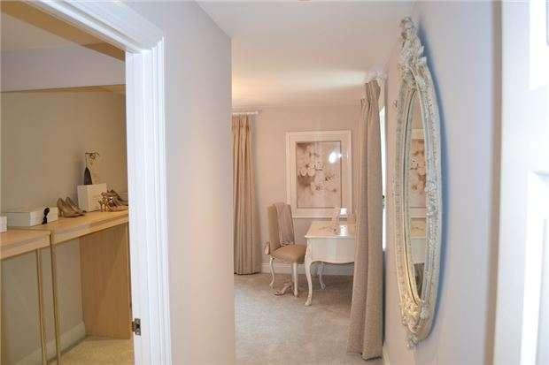 6 Bedrooms Detached House for sale in Broad Lane, Yate, BRISTOL, BS37 7LA