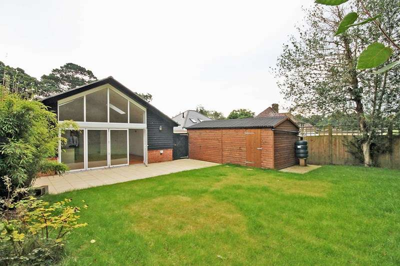 4 Bedrooms Detached Bungalow for sale in Copse Road, Burley, Ringwood