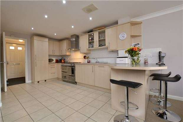3 Bedrooms Terraced House for sale in Amis Walk, Horfield, BRISTOL, BS7 0BG