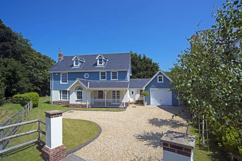 4 Bedrooms Detached House for sale in The Grove, Bembridge, Isle of Wight, PO35 5AE