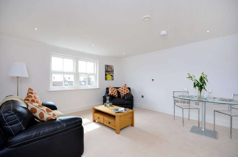 1 Bedroom Flat for sale in Greyhound Road, Barons Court, W14
