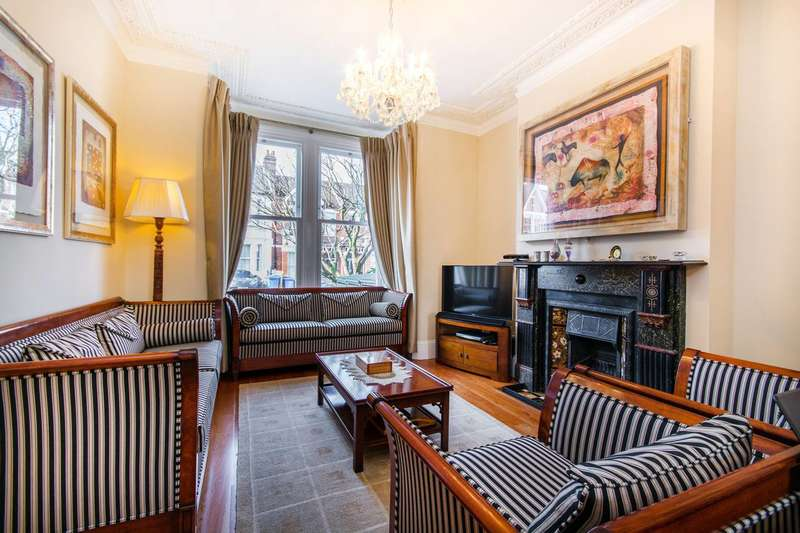 4 Bedrooms Terraced House for sale in Beauval Road, Dulwich Village, SE22