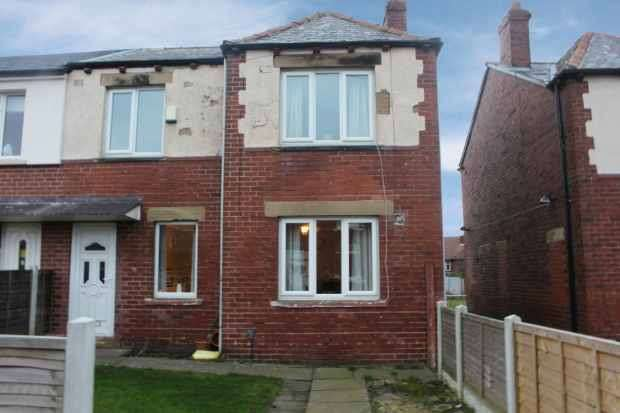 4 Bedrooms Semi Detached House for sale in Bridle Lane, Ossett, West Yorkshire, WF5 9PH