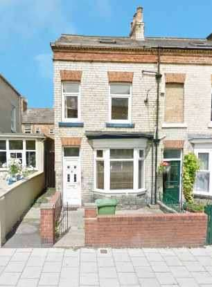3 Bedrooms Terraced House for sale in Prospect Road, Scarborough, North Yorkshire, YO12 7JX