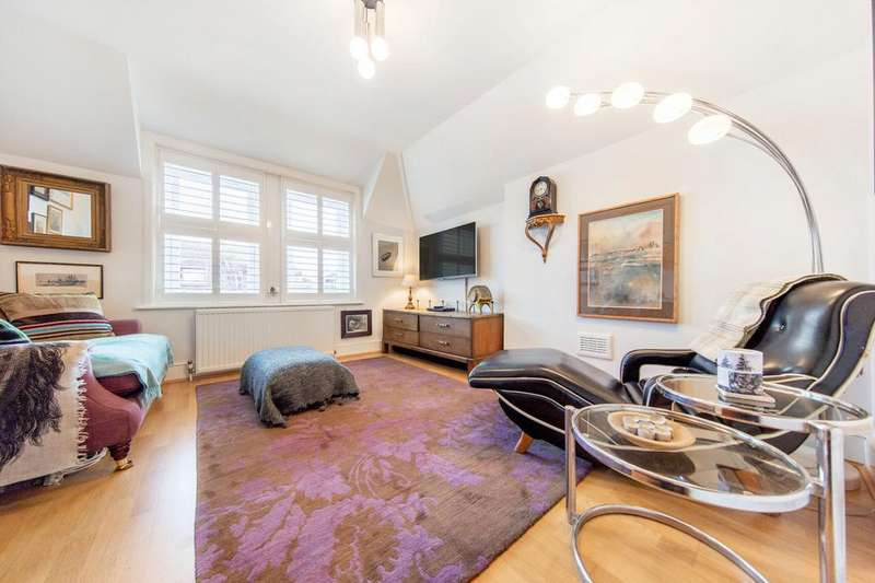 3 Bedrooms Flat for sale in Riggindale Road, SW16