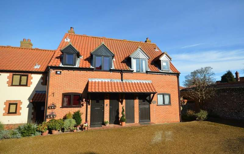 2 Bedrooms Semi Detached House for sale in The Pastures, Blakeney, Norfolk