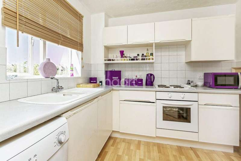 2 Bedrooms Flat for sale in Littlebrook Avenue