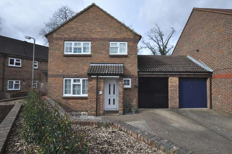 3 Bedrooms Link Detached House for sale in Cinnamon Gardens, Guildford
