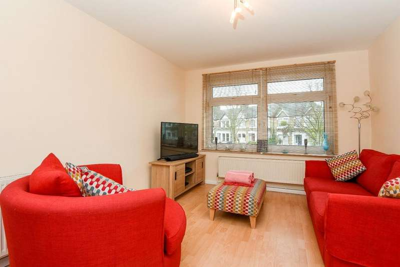 3 Bedrooms Town House for sale in Micheldever Road Lee SE12