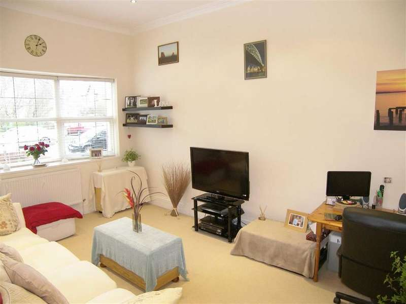 1 Bedroom Property for sale in Kingsway Court, Lytham St Annes, Lancashire
