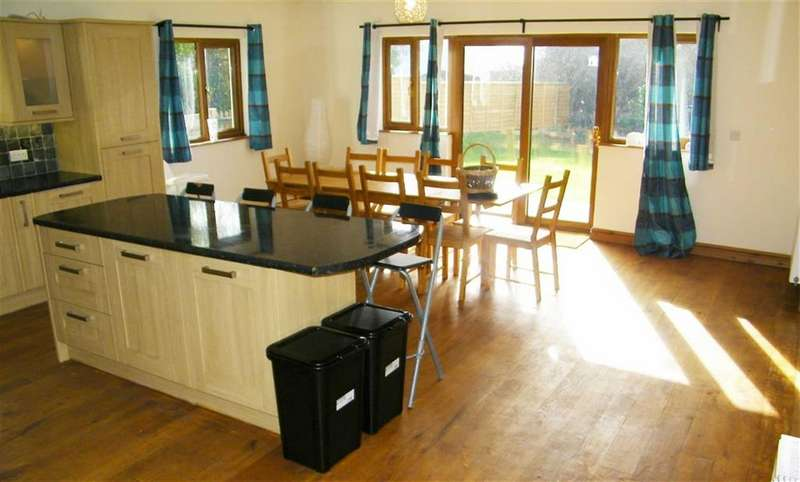 4 Bedrooms Property for sale in The Beacon, Rosemarket, Milford Haven