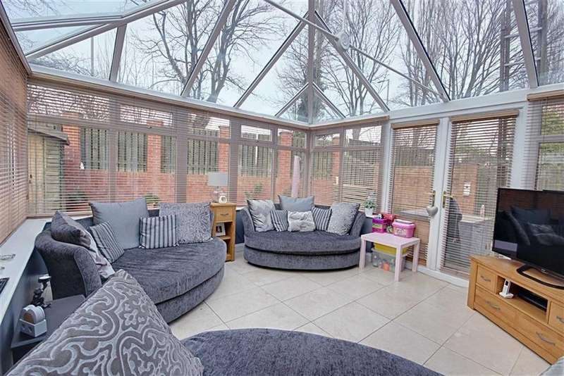 5 Bedrooms Detached House for sale in Prensgarth Way, South Shields, Tyne And Wear