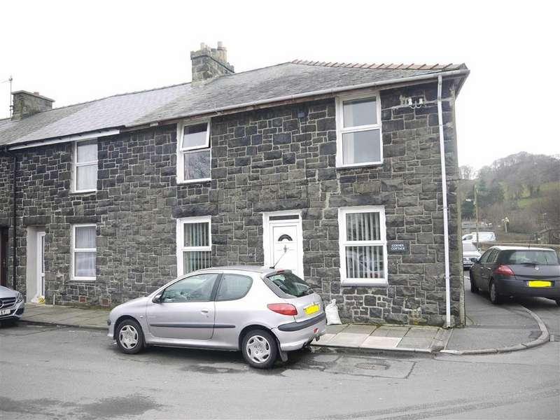 2 Bedrooms End Of Terrace House for sale in Railway Place, Porthmadog, Gwynedd
