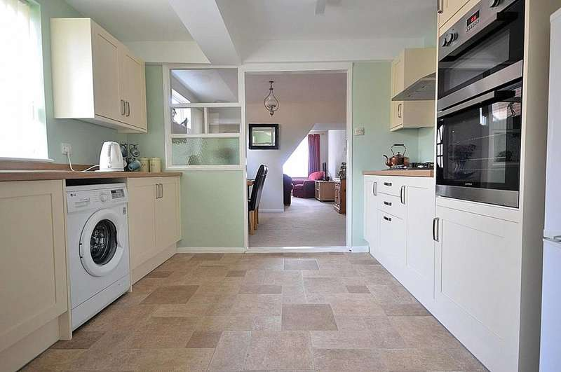 3 Bedrooms Semi Detached House for sale in King Street, Maldon, Essex, CM9