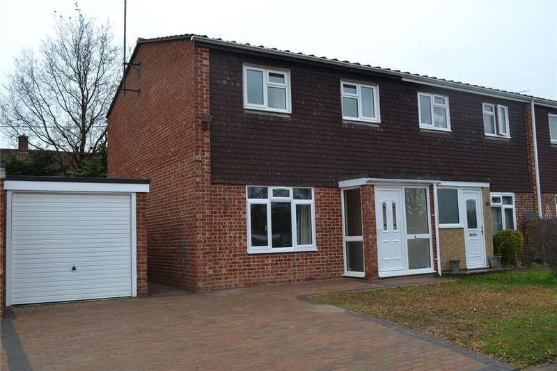 3 Bedrooms Semi Detached House for rent in Middlefields, Ruscombe, Berkshire, RG10