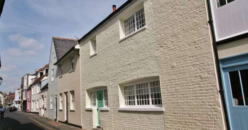 2 Bedrooms Cottage House for sale in Middle Street, Deal