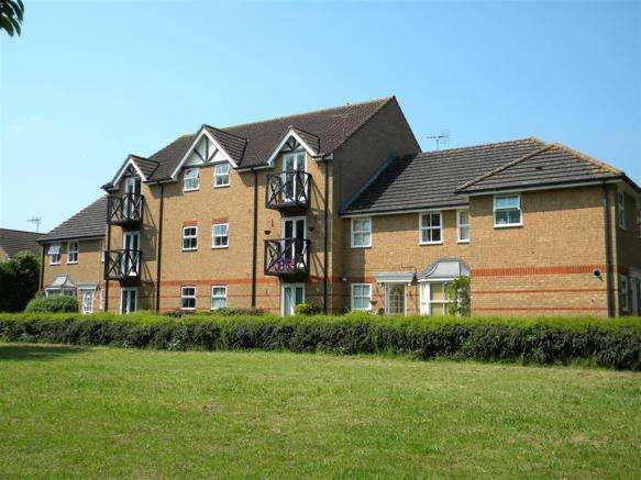 2 Bedrooms Apartment Flat for sale in Lee Close, Stanstead Abbotts