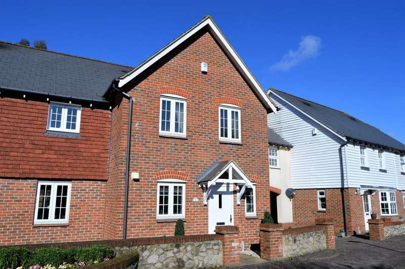 4 Bedrooms Semi Detached House for sale in Willow Close, Harrietsham