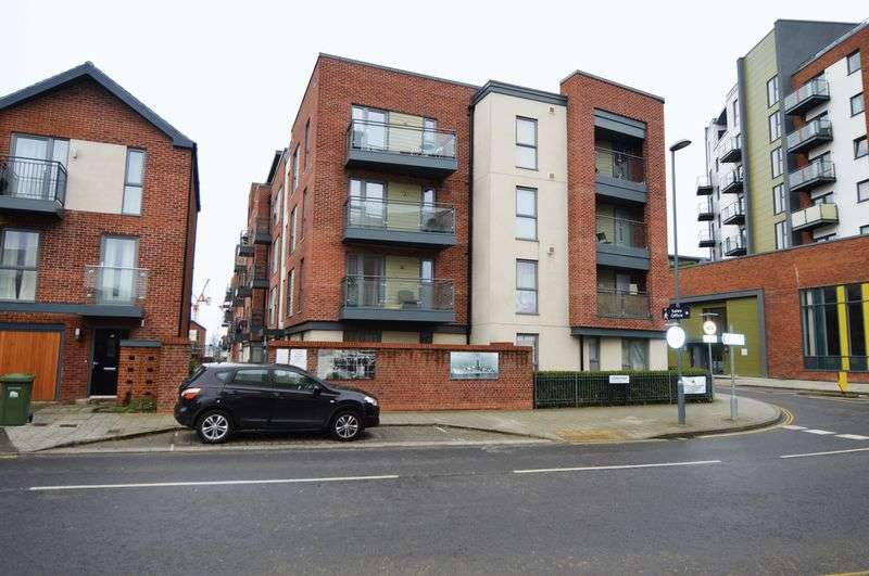 1 Bedroom Flat for sale in Centenary Quay, Southampton