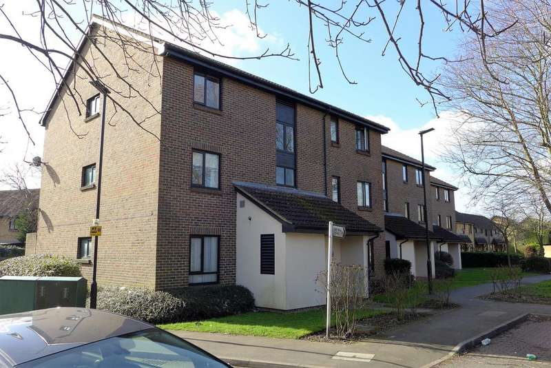 2 Bedrooms Flat for sale in Foxwood Close, Feltham