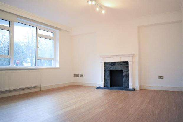 3 Bedrooms Apartment Flat for sale in Clifton Place, Bayswater, W2