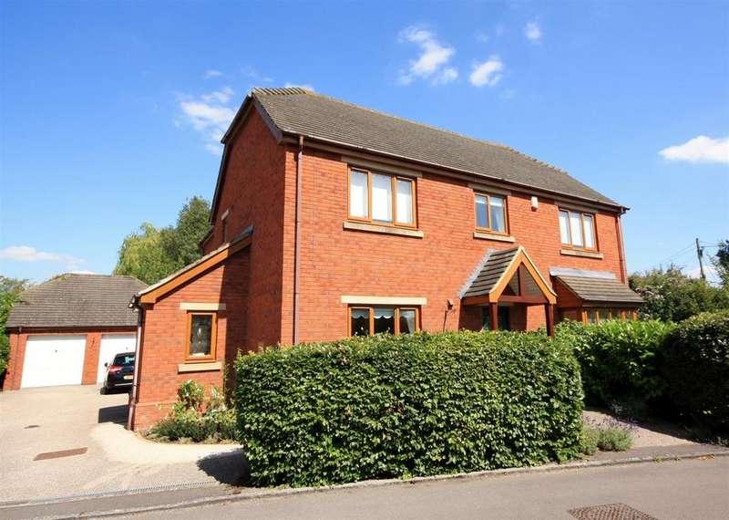4 Bedrooms Detached House for sale in Moores Yard, Wingfield, Trowbridge