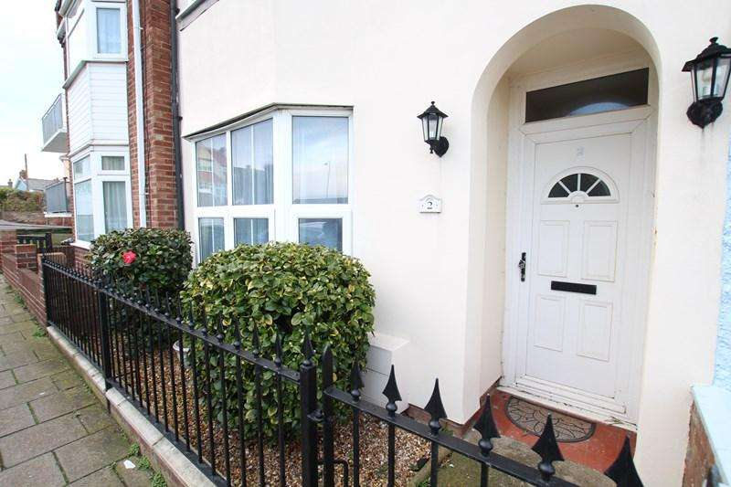 4 Bedrooms Terraced House for sale in New Pier Street, Walton On The Naze