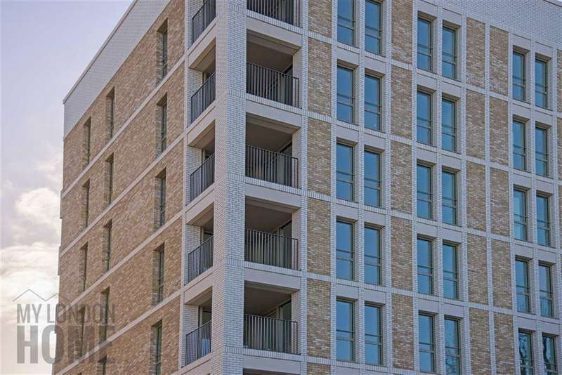 2 Bedrooms Property for sale in South Garden Point, London, SE1