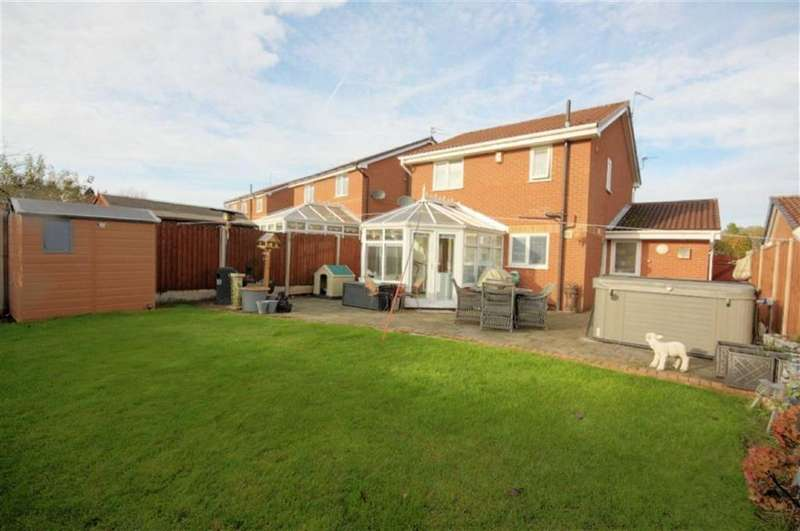 3 Bedrooms Detached House for sale in Kingfisher Drive, Haresfinch, St Helens, WA11