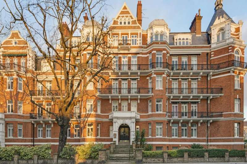 4 Bedrooms Flat for sale in Neville Court, Abbey Road, St John's Wood, London, NW8