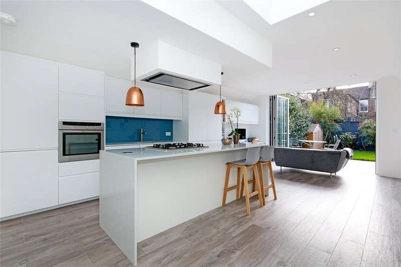 3 Bedrooms Terraced House for sale in Quick Road, Chiswick, London