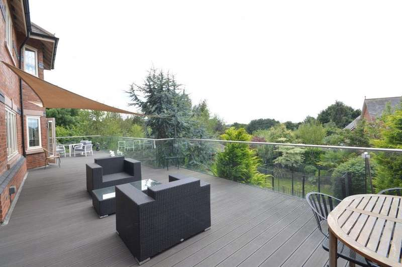 5 Bedrooms Detached House for sale in High Warren Close, Appleton, Warrington