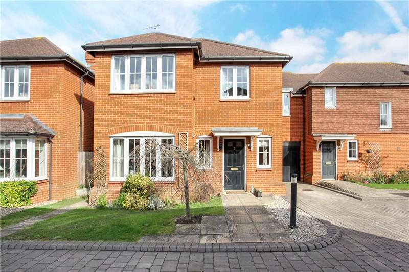 4 Bedrooms Semi Detached House for sale in Oakdene Place, Peasmarsh, Guildford, Surrey, GU3
