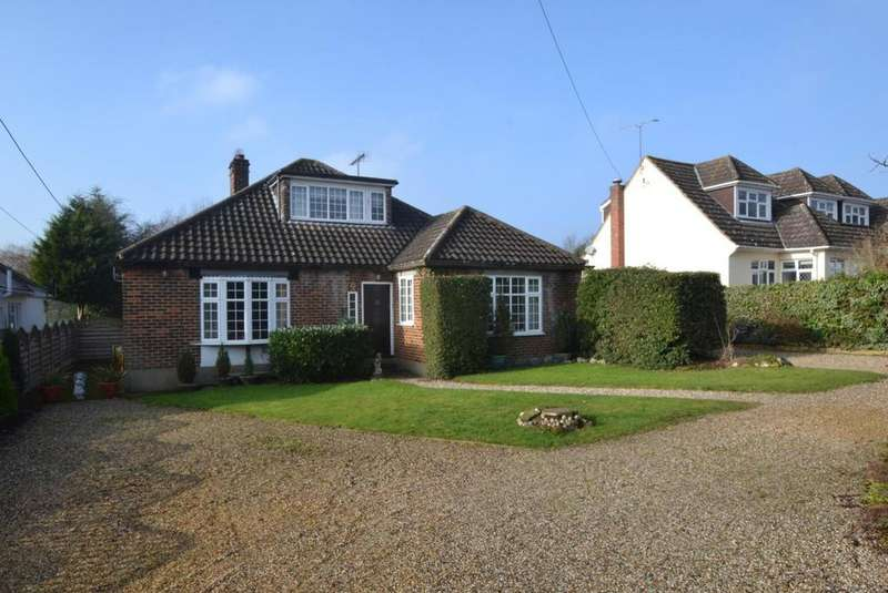 4 Bedrooms Chalet House for sale in Noak Hill Close, Billericay, Essex, CM12