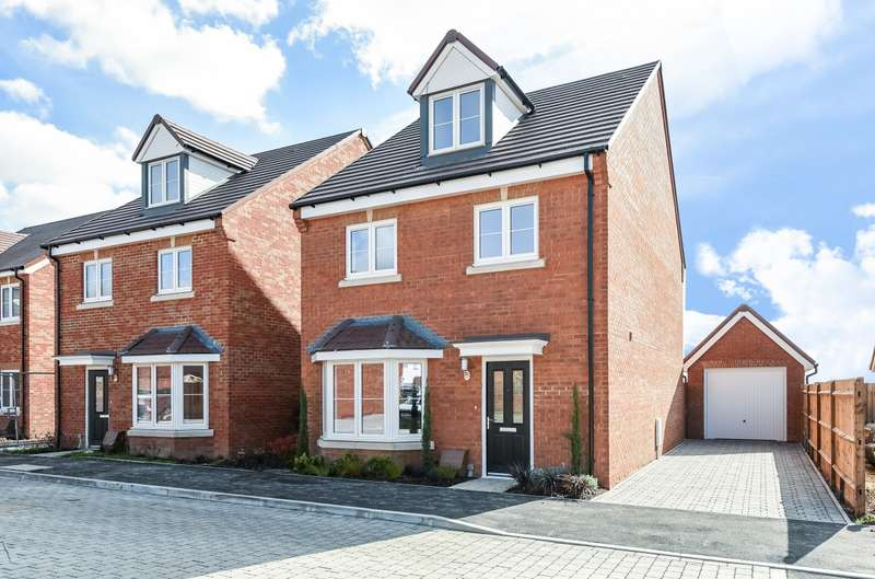 4 Bedrooms Detached House for sale in Bader Heights, Tangmere, PO20