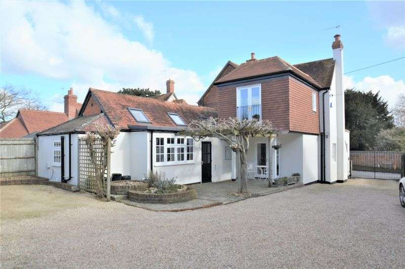 4 Bedrooms Detached House for sale in Main Road, East Hagbourne.