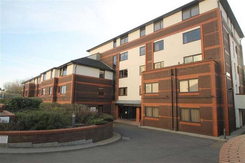 1 Bedroom Retirement Property for sale in Gordon Place, Southend On Sea