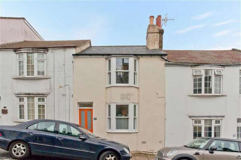 2 Bedrooms Terraced House for sale in Terminus Street, Brighton