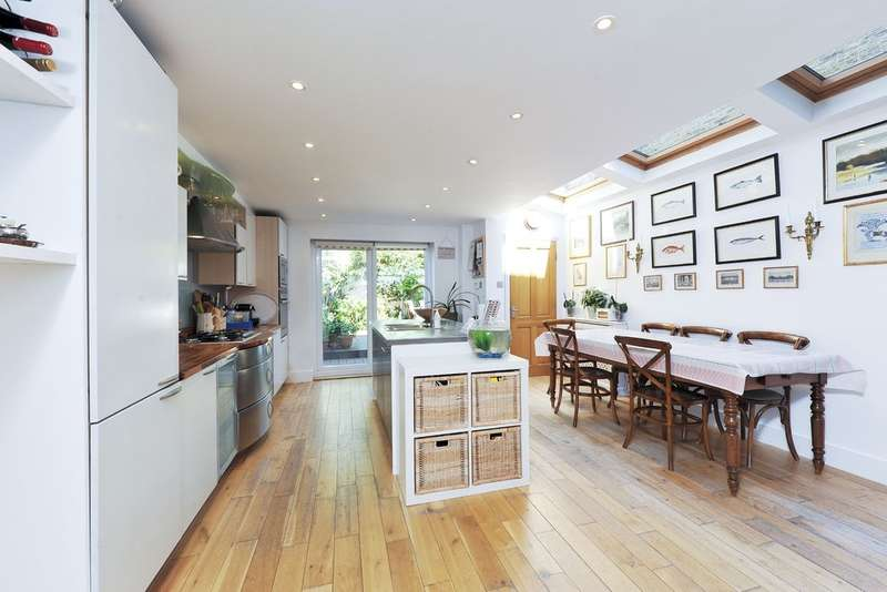 4 Bedrooms Terraced House for sale in Keildon Road, London