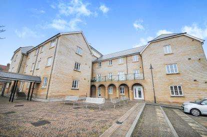 2 Bedrooms Flat for sale in Denby Road, Redhouse, Swindon, Wiltshire