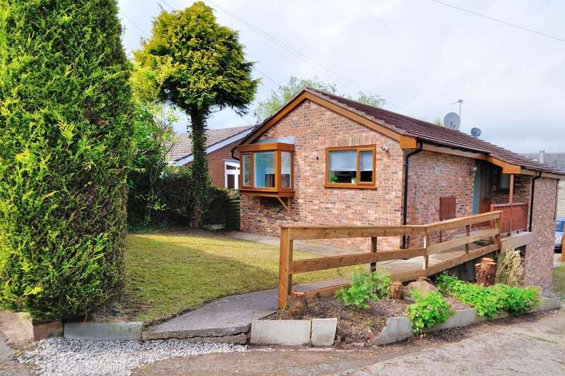 4 Bedrooms Detached House for sale in Meadow Lane, Disley, Stockport, Cheshire, SK12 2ES