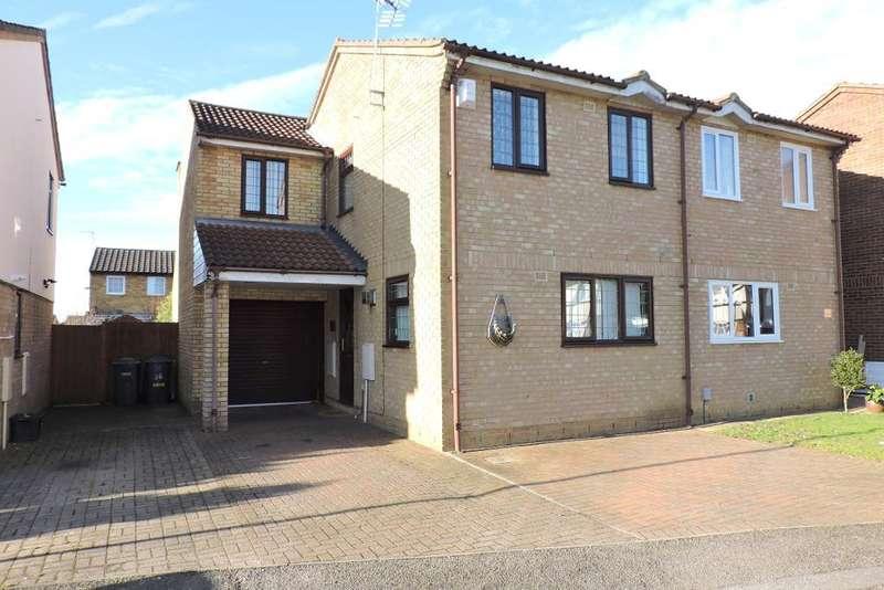 3 Bedrooms Semi Detached House for sale in Corbridge Drive, Luton, Bedfordshire, LU2 9UH