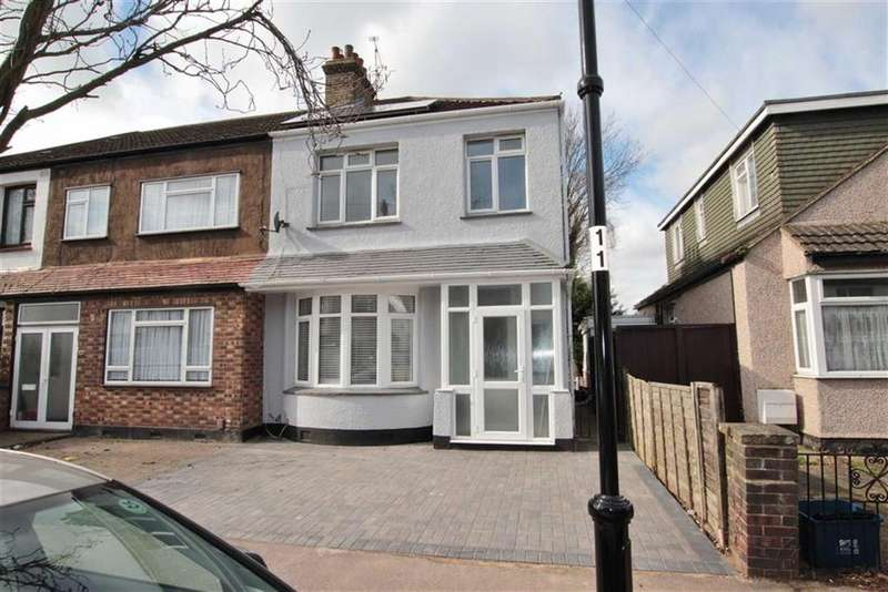 3 Bedrooms Semi Detached House for sale in Lonsdale Road, Southend-On-Sea, Essex