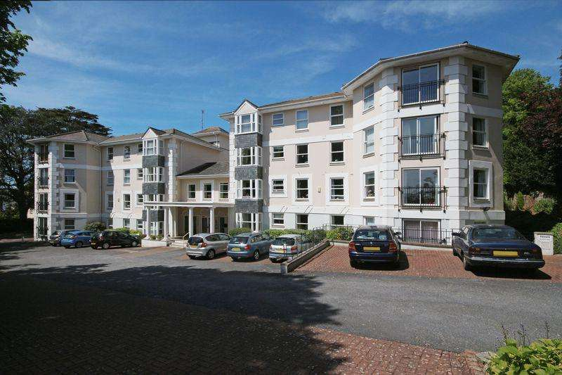 2 Bedrooms Apartment Flat for sale in Asheldon Road, Torquay