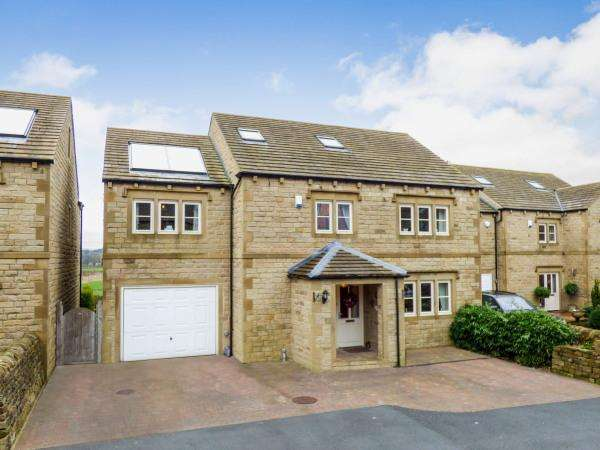 5 Bedrooms Detached House for sale in 24 Woodturners Close, Sutton in Craven BD20 8DG
