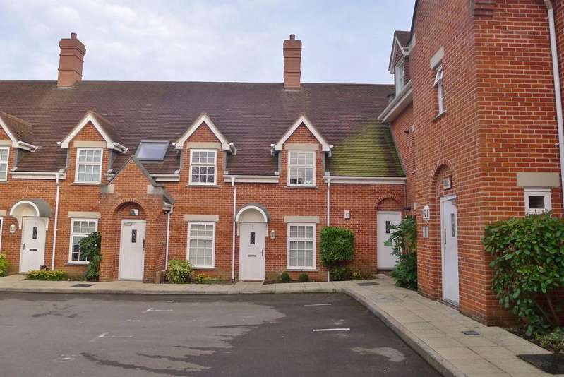 2 Bedrooms Ground Flat for sale in OLD SCHOOL COURT, FAREHAM
