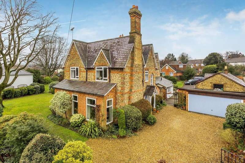 4 Bedrooms House for sale in Fernhill Lane, Farnham