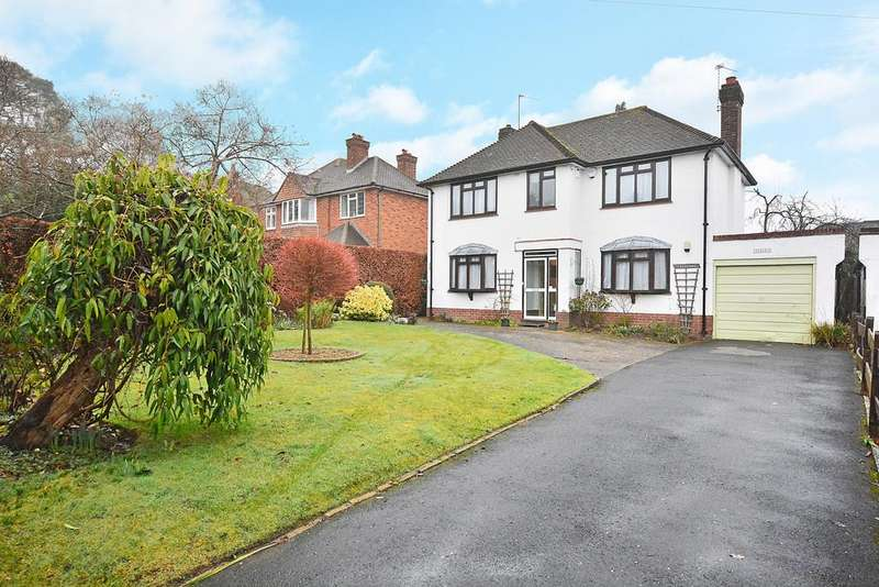 3 Bedrooms Detached House for sale in Woking, Surrey