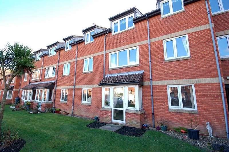 1 Bedroom Ground Flat for sale in Shannock Court, Sheringham